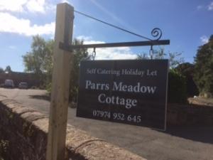Parrs Meadow Cottage sign